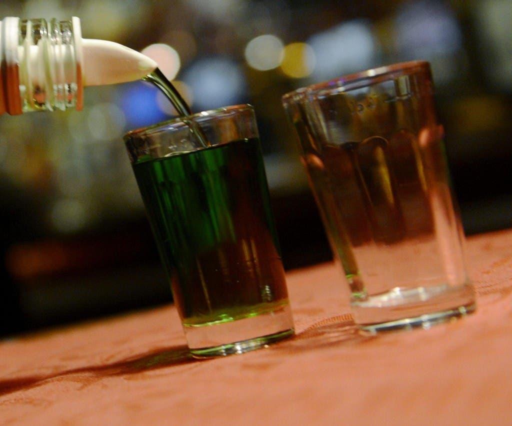Desde el lunes los negocios de bebidas alcohólicas no tendrán restricciones de horario por Navidad