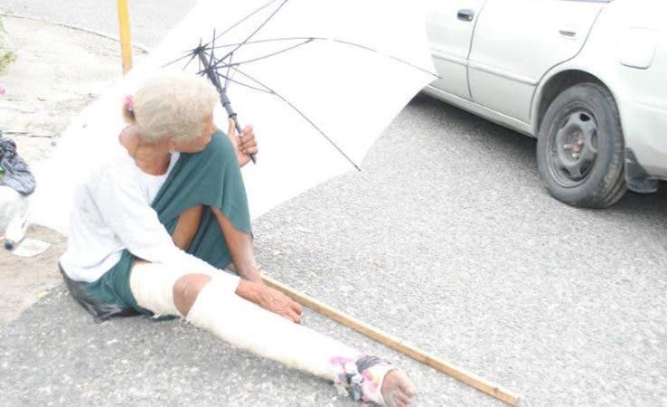 Anciana en Cristo Rey