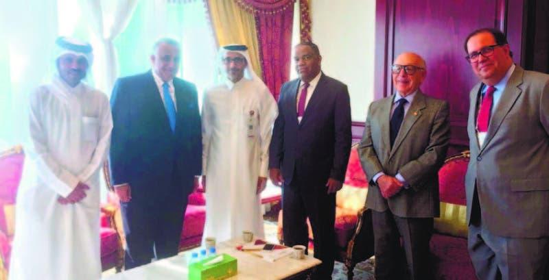 El ministro Danilo Díaz, Salah Bin Ghanim Al Alí; Luís Mejía, Felipe Vicini y el embajador Hugo Guillini