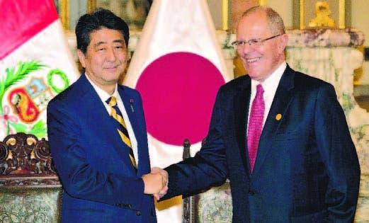 El primer ministro de Japón, Shinzo Abe, y presidente de Perú, Pedro