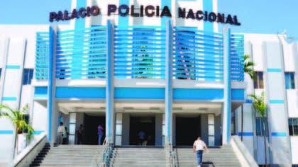 Policía apresa hombre que intentó retirar dinero fraudulentamente
