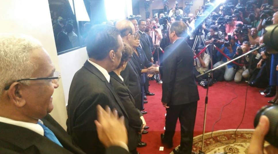 Imagen de la juramentación difundida en la cuenta en Twitter de la Junta Central Electoral.