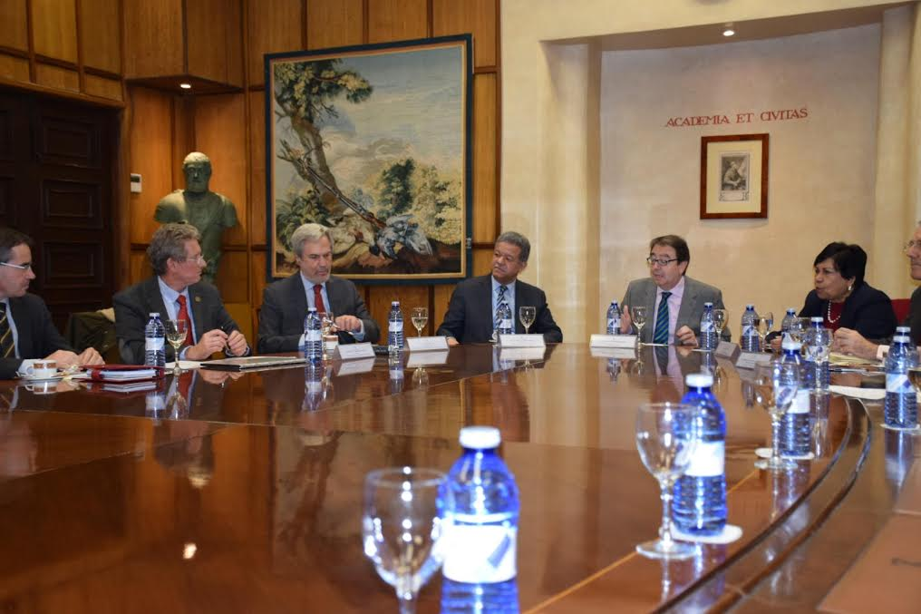 Leonel Fernández recomienda internacionalización de las universidades