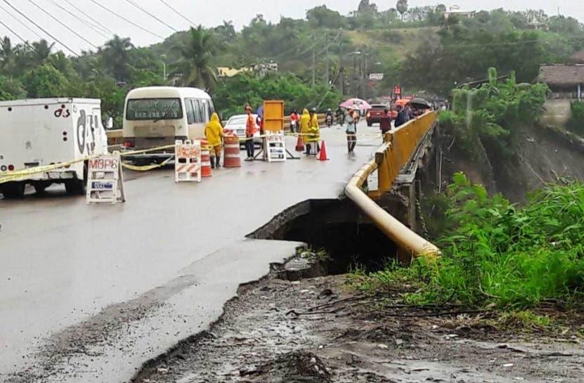 Obras Públicas dispone cierre de puente Imbert por deterioro de aproche