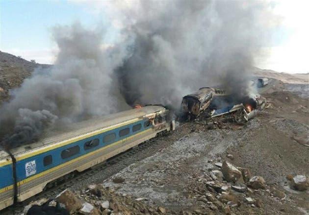 IRAN: Choque de trenes deja al menos 30 muertos