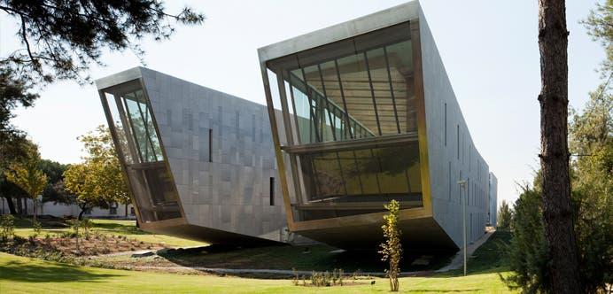Universidad a-Distancia-Madrid4_Carrusel