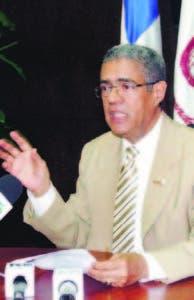 Wilfredo Mañón, rector de Unev