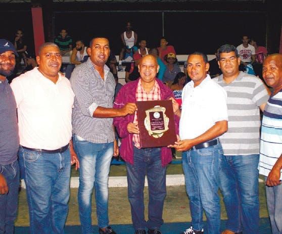 Inauguran torneo basket superior  de Villa Rivas