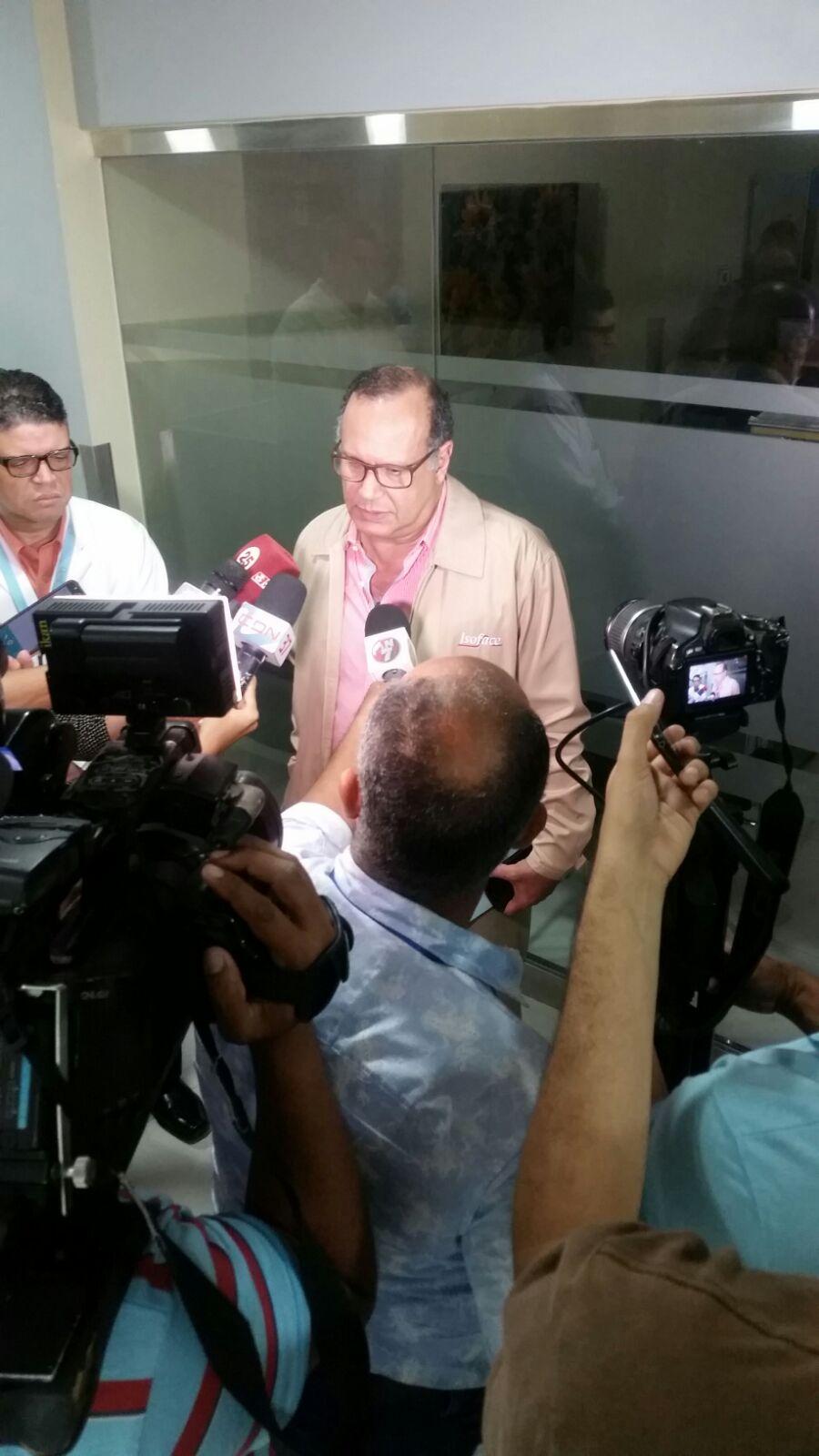 Titular del SNS realiza encuentro con jefes de Servicios del Cabral y Báez y representantes del CMD