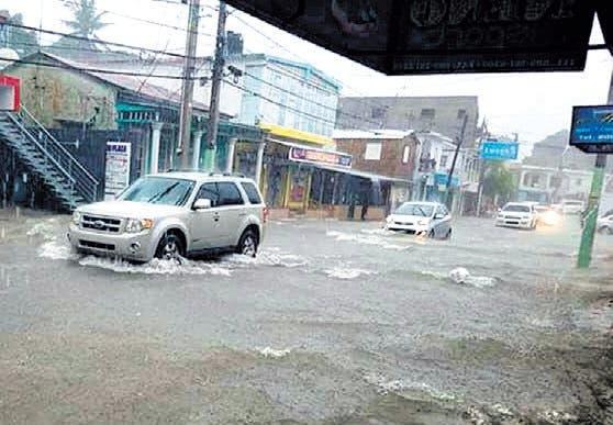 Desplazados por lluvias disminuyen a 10,475; colocan 18 provincias en alerta