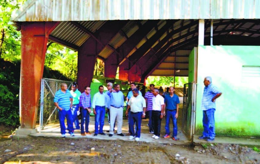 Danilo Díaz ordena reparar varios techados en Zona Norte