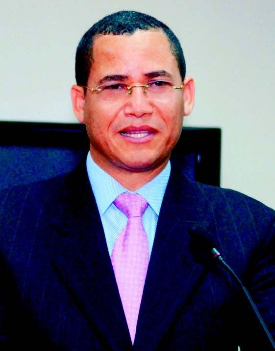 Olivares insta a medios a ser el contrapeso ante absolutismo