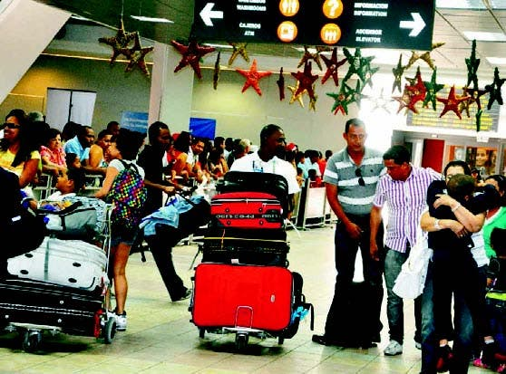 Dominicanos ausentes regresan de manera masiva