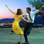 """En esta imagen difundida por Lionsgate, Ryan Gosling y Emma Stone en una escena de """"La La Land"""". AP."""