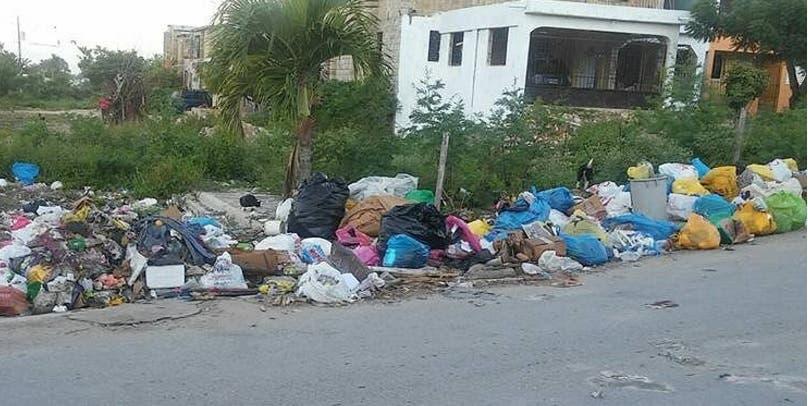 Alcalde de La Romana denuncia deficiencia de empresa en recogida de desechos