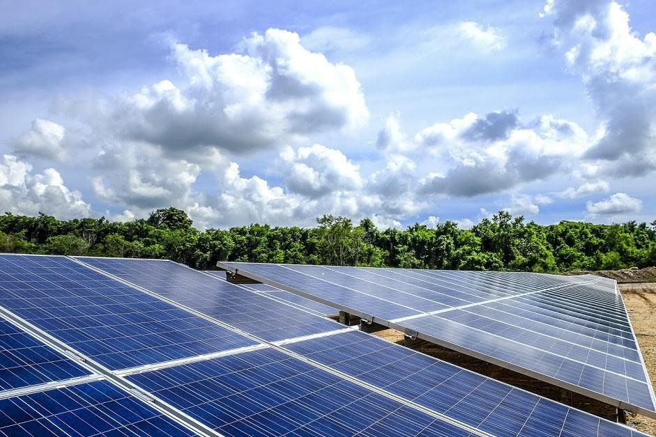 CEMEX convoca licitación para expandir parque de generación de energía solar