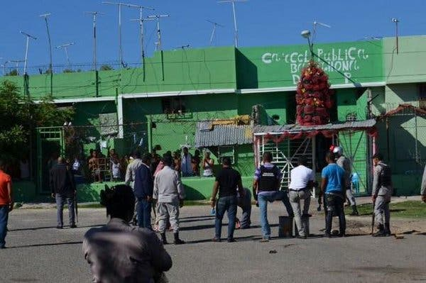 Motín en cárcel de Barahona deja cinco heridos; se presume fue por control recinto