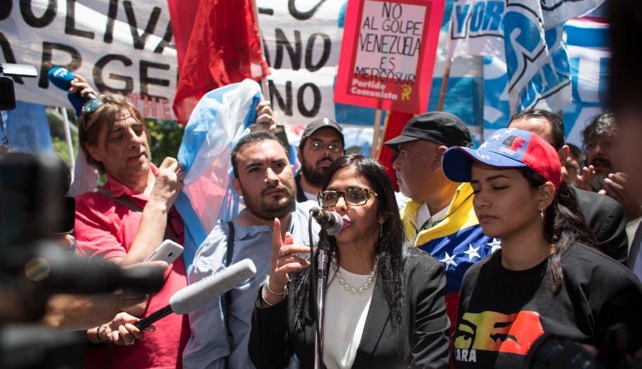 Argentina asume presidencia Mercosur en plena tensión por cese de Venezuela