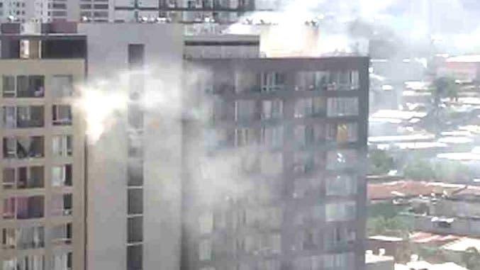 CHILE: Muere dominicana y su hijo al alzarse de edificio en llamas