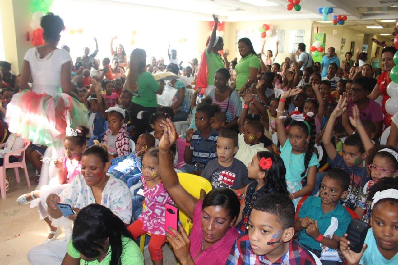 Maternidad de Los Mina celebra fiesta navideña a niños hospitalizados