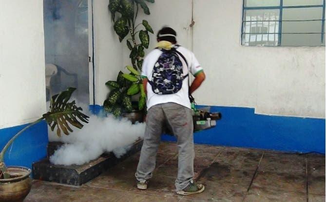 Salud Pública advierte delincuentes se hacen pasar por fumigadores para robar