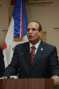 El presidente de la JCE, doctor Julio César Castaños Guzmán.
