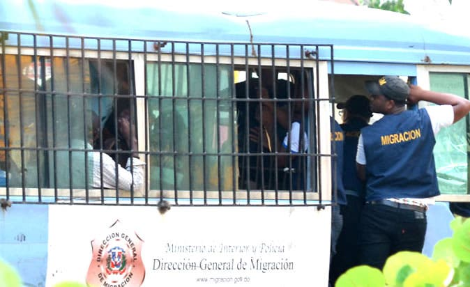 Autoridades de Migración detienen 19 extranjeros en situación irregular en Bávaro