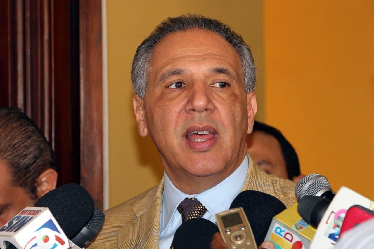 El ministro Administrativo de la Presidencia, José Ramón Peralta.