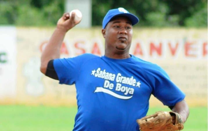 Bayaguana y Peralvillo se enfrentan en juego de muerte súbita en béisbol Doble A