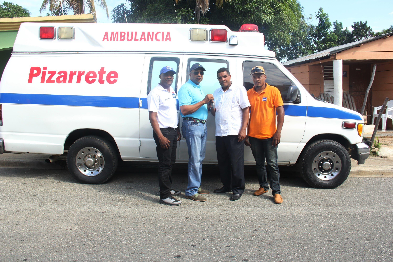 Entregan ambulancia al Ayuntamiento del Municipio de Pizarrete - Hoy Digital (República Dominicana)