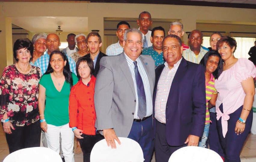 Díaz anuncia sueldos 13 y 14 para los atletas alto rendimiento