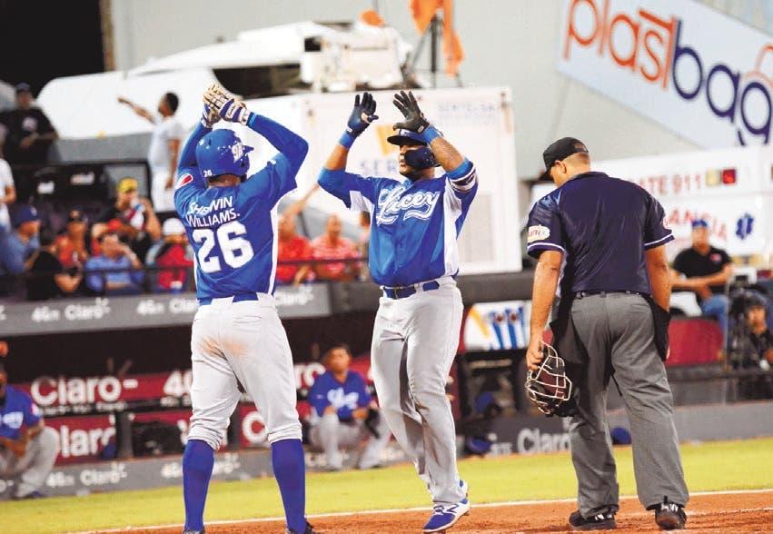 Hernández y Liriano lideran ataque Licey