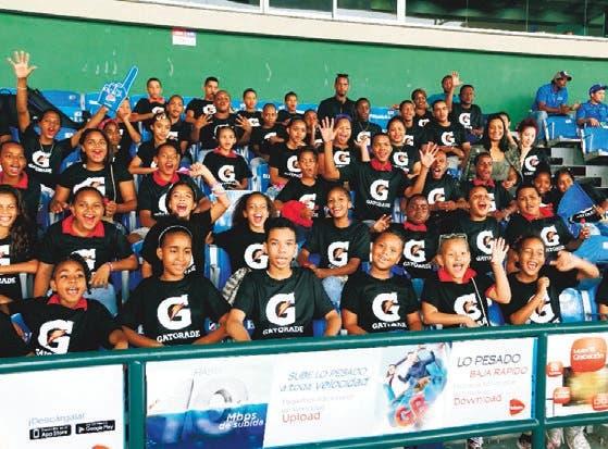 Gatorade lleva al estadio a 150 niños de ligas