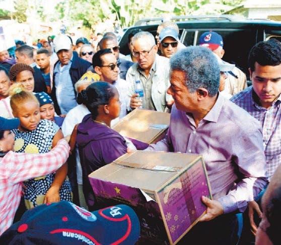 """Leonel vaticina un """"gran porvenir"""" para país en 2017"""