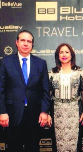Premios Blue Bay Hotels reconocen a Medina por aportes al turismo