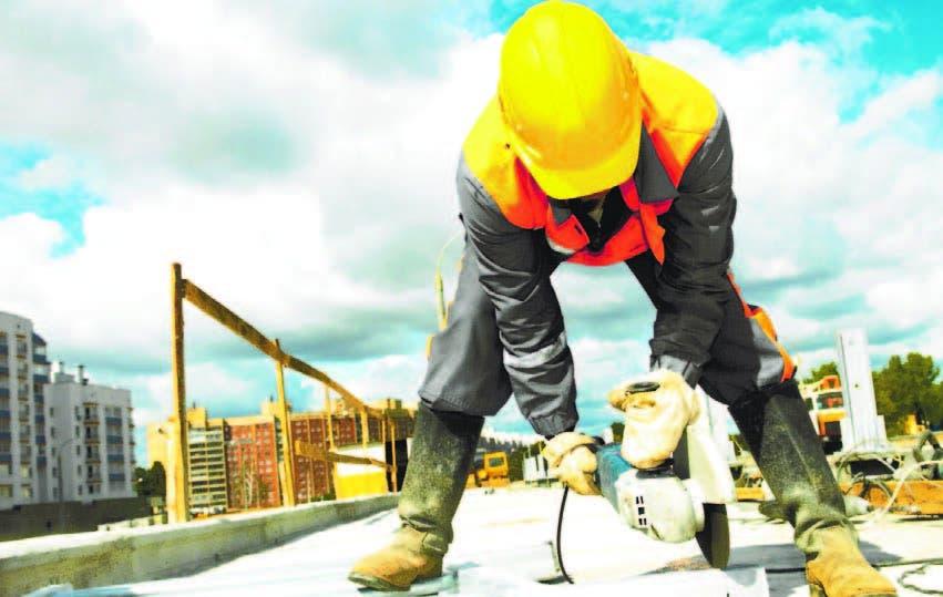 Hay rezago en construcción de oficinas, comercios e industrias