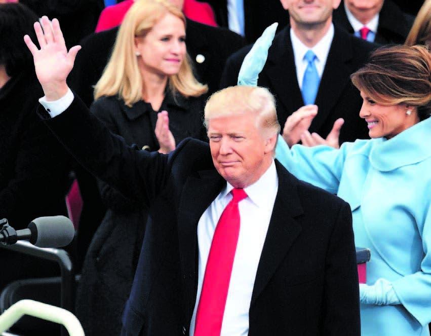 Trump comienza la presidencia con ataque contra establishment
