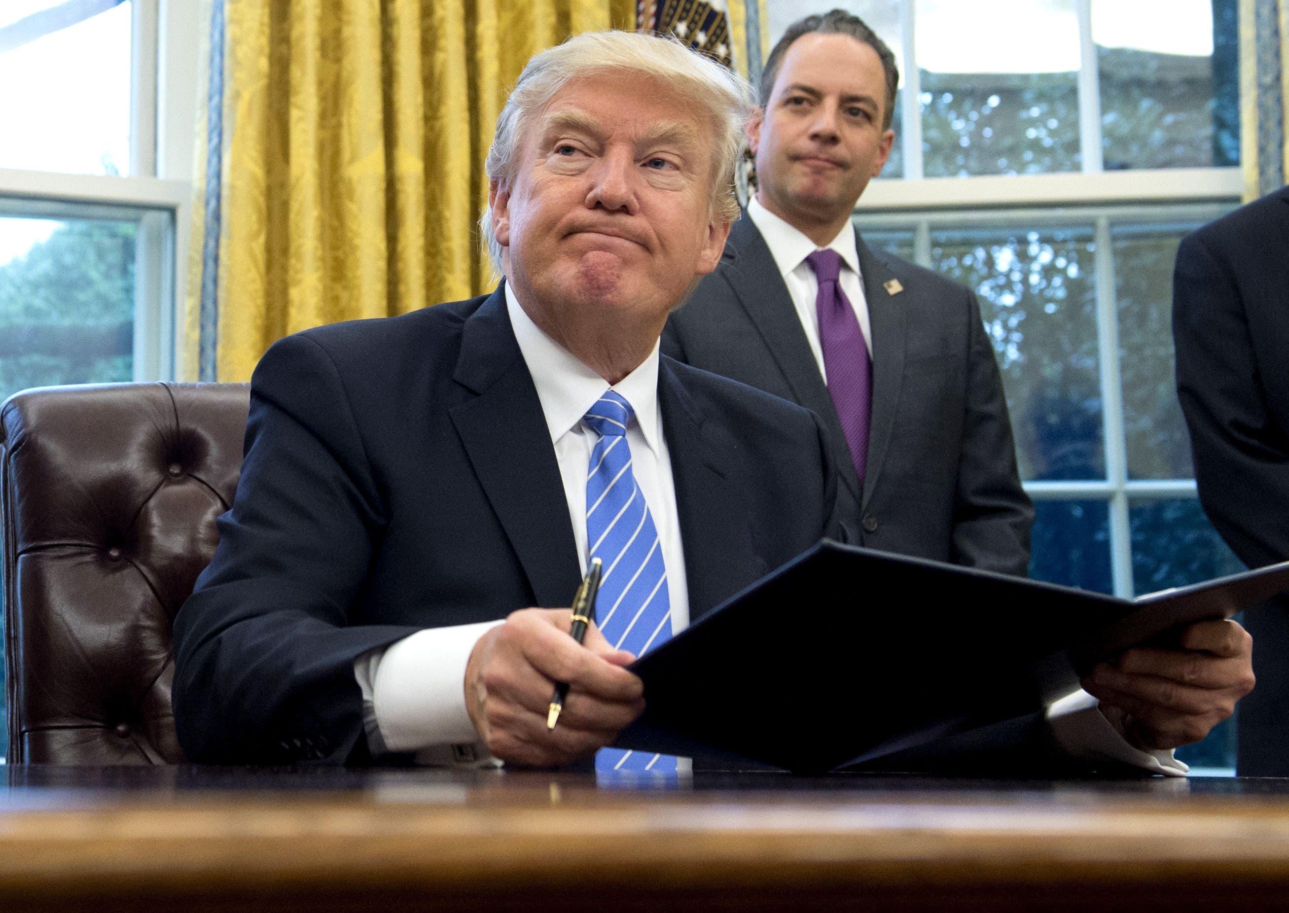 Donald Trump firma nueva orden sobre el veto a refugiados y ciudadanos de 6 países