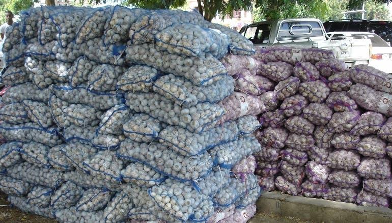 Decomisan 156 sacos de ajo; arrestan 68 haitianos intentaron entrar a RD de forma ilegal
