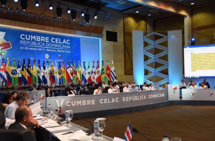 La Celac respalda diálogo en Venezuela pero rechaza propuesta contra EE.UU