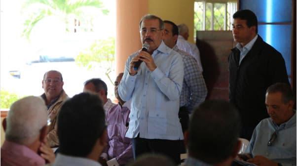 Danilo Medina ofrece apoyo a ganaderos de la región Este