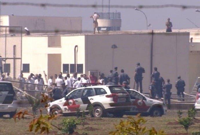 Al menos 50 presos se fugan de una cárcel de Sao Paulo tras un motín