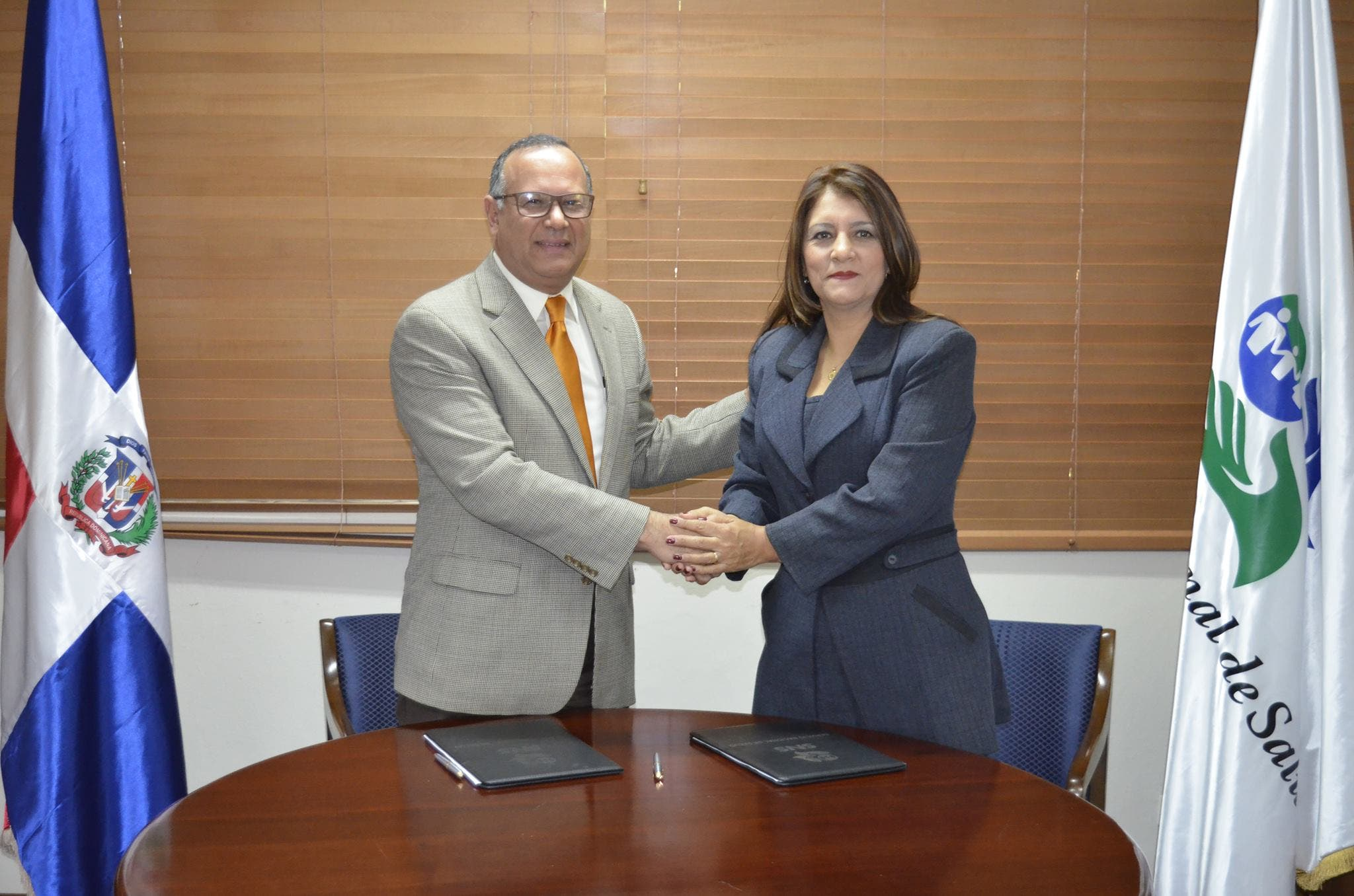 Firma acuerdo SNS y Project Hope