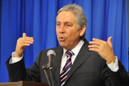 Caso Odebrecht: exministro Obras Públicas niega haya firmado contratos con constructora