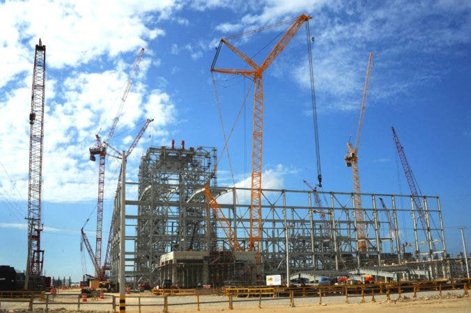 Gobierno anuncia comprará terrenos donde se construye Punta Catalina
