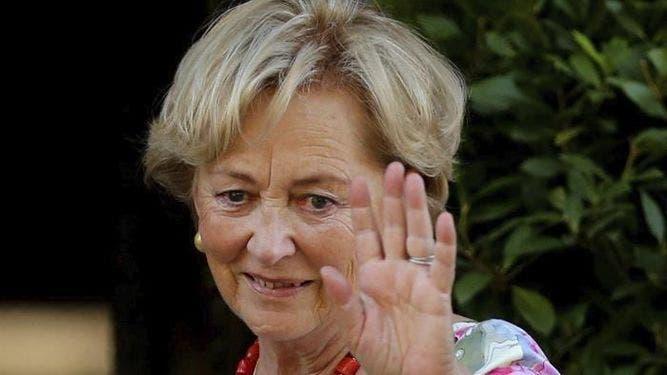 La reina Paola de Bélgica, saluda a numerosos ciudadanos. EFE/Archivo