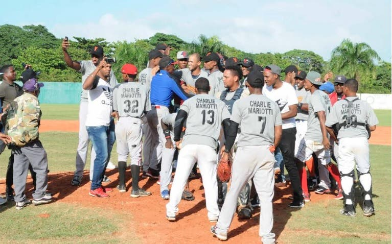 Yamasá se proclama campeón IX Torneo de Béisbol Doble de Monte Plata