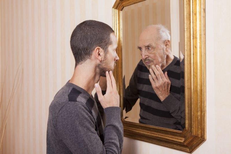 Explican causas genéticas del envejecimiento, que comienza entre 40 y 50 años