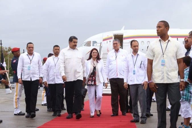 El presidente de Venezuela, Nicolás Maduro durante su llega al país.