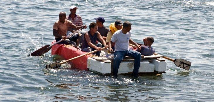 Más de 680 cubanos deportados tras fin de ventajas migratorias en EE.UU
